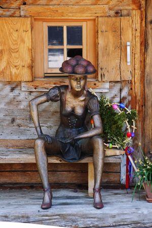 Schwarzwald Marie Schwarzwald Marie Schwarzwald Marie Blackforest Skulptur Bronze Statue Bronze Sculpture