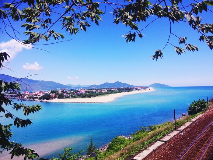 Vịnh Lăng Cô Huế Hue Vietnam Lang Co Beach Sea Blue Sky Vacations Beauty In Nature Seascape Ocean Beauty Nature Draw In The Sky My Vacation My Best Photo 2016😊
