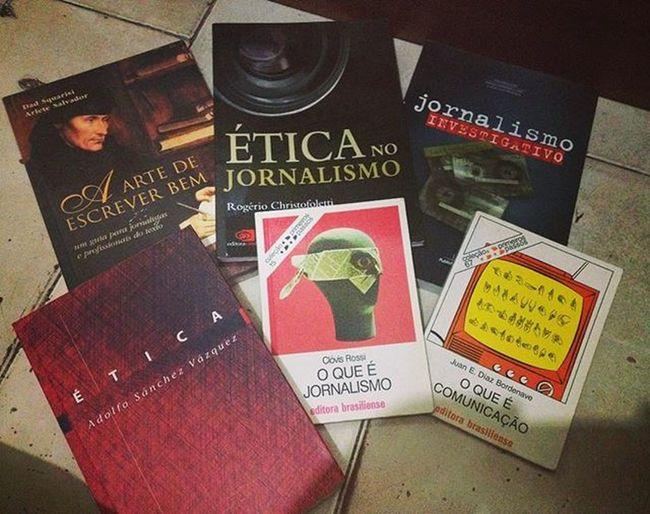 Meus novos mimos 😍❤️😍 Desapegoflaviaerafael Jornalismo Jornalismoporamor Amoler Foconofuturosempre
