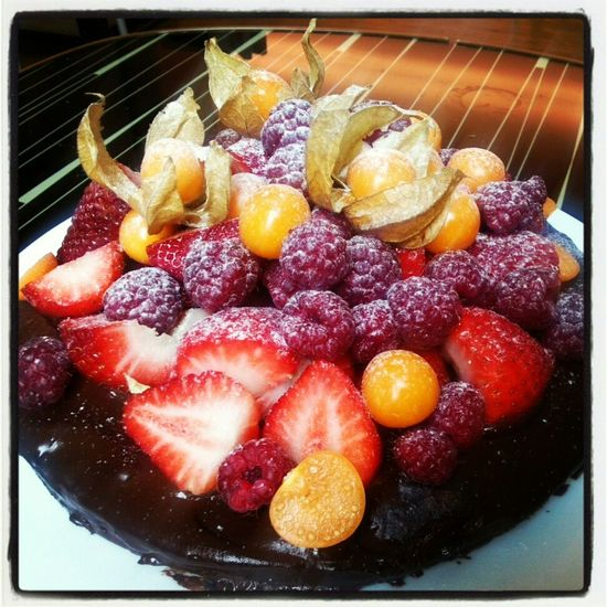 death by chocolate Berries Chocolate Homemade Red Berries Dark Chocolate Homemade Cake Thx4cooking  Chocolade Cake