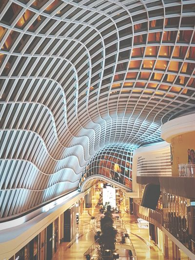 When ppl gets tired spending and returns home Architecture Built Structure Indoors  Modern Shopping Mall Shopping District Emptyshoppingmall EyeEm Best Shots EyeEmBestPics Week On Eyeem Chadstone Shopping Centre WeekOnEyeEm EyeEm Gallery Paint The Town Yellow