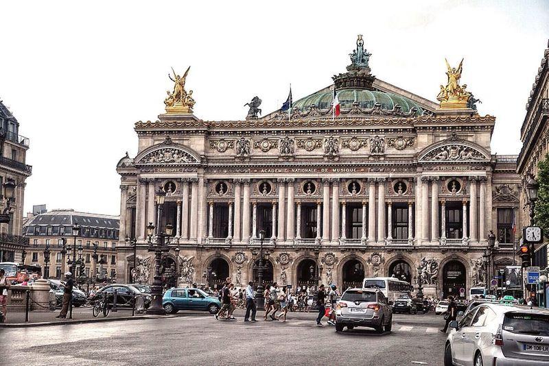 Battle Of The Cities Paris ❤ L'Opéra De Paris Ópera De Paris Avenue De L'Opéra Paris Je T Aime Building Exterior Architecture Land Vehicle City Street Travel History Famous Place Tourism Car