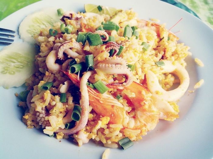 Fried rice with curry powder, shimp and squid. I Dont Mind Being Fat Eating Again And Again Foodporn Sting Filter