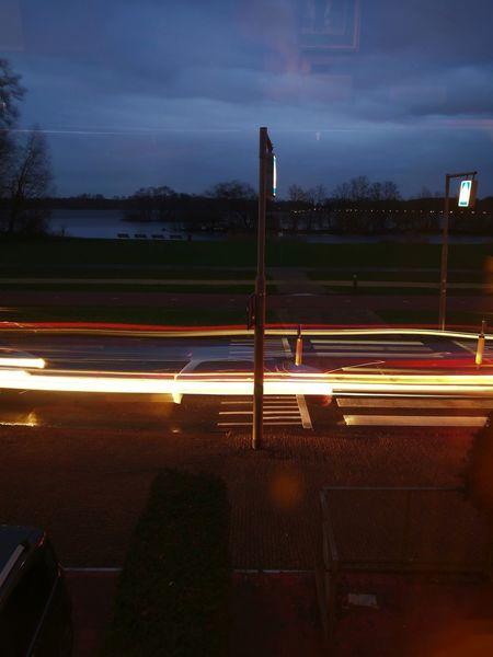 HuaweiP9 Streaming Lights Driving Outdoors Trafficjam
