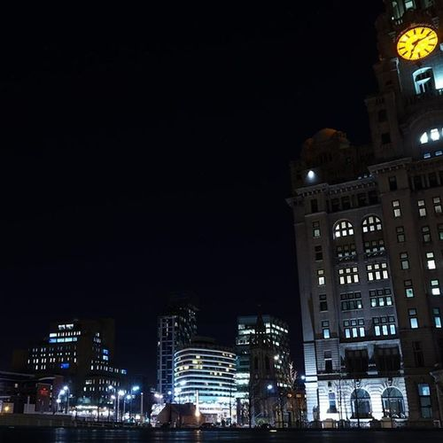 Liverbuilding  at night. Liverpool Igersmersey Ig_liverpool Itsliverpool SonyA5000 Sonyphotography Nightshooters Nightphotography Nightshot Citylights Liverpool Pierhead Bs_world Ukpotd Postcodeliverpool Sonyimages Sonycameras Nightscape Thepurist Noedit Nofilter