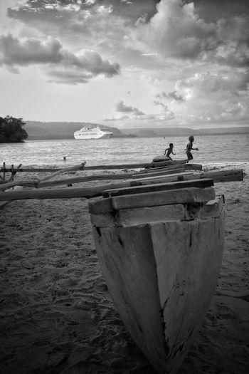 IPS2016People IPhoneography EyeEm Best Shots - Black + White Black & White Vanuatu Ocean Kids Being Kids Traditional Culture Cruise Ship