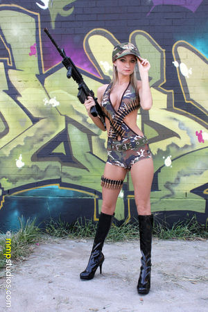 @melvinmaya @mmpstudios_com Beautiful Blonde Boots GoodTimes Graffiti Hat Houston Houston Texas Bullets Camoflauge Followme Front View Full Length Gorgeous Graffiti Art Guns Model One Person Photographer Photography Young Adult Young Women