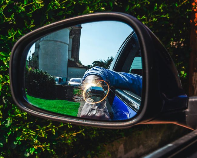 Applewatch Sparkler Car Chrome Close-up Day Glass - Material Land Vehicle Mirror Mode Of Transportation Motor Vehicle Nature No People Outdoors Plant Rear-view Mirror Reflection Side-view Mirror Transportation Travel Tree Vehicle Mirror Window