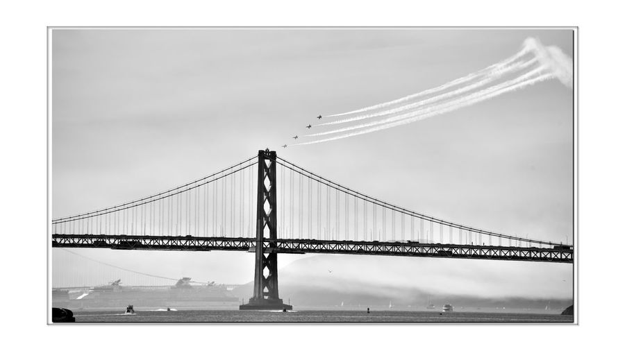 Blue Angels _ Fleet Week 6 San Francisco CA🇺🇸 Fleet Week 2016 Blue Angels Aviators U.S. Navy Marines Bnw_life_in_motion Precision Flying Bnw_friday_eyeemchallenge Aerobatics McDonnell Douglas F/A-18C Hornets Single Seat McDonnell Douglas F/A-18D Hornets Twin Seat Monochrome_Photography Monochrome Flight Demonstration Squadron Bay Bridge Black & White Black & White Photography Black And White Black And White Collection  Worlds 2nd Oldest Formal Flying Aerobatic Team Vapor Trails