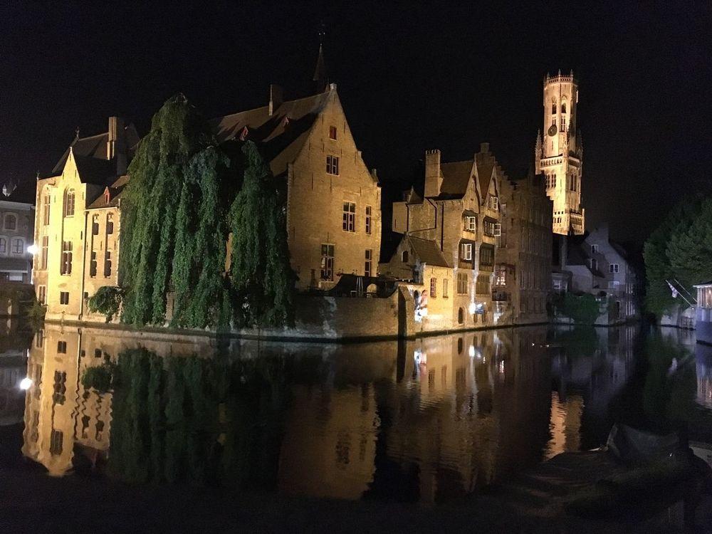 Brugge Belgium Brugge Nachtfotografie Nachtaufnahme Gracht