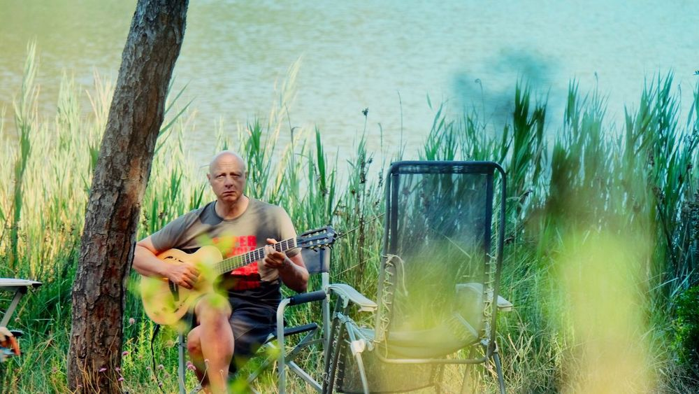 ♫ …in the morning… homesick… by the river… ♫ River Homesick  Tuscany Guitar Alone