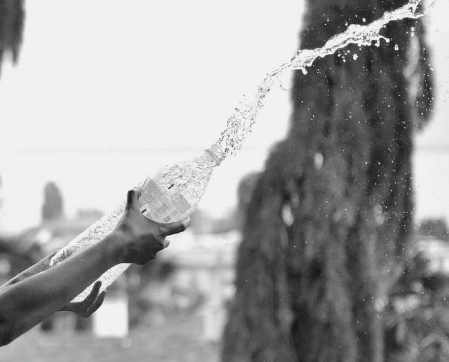 Water splash 💦💦 Water Splashing Evianwater Blackandwhite Photography EyeEmbnw Check This Out Enjoying Life Nikonphotography Followme Popularphoto Likeforlike Amazing Slow Shutter EyeEm Gallery EyeEmSwiss Eyeemvietnam Eyeemeurope