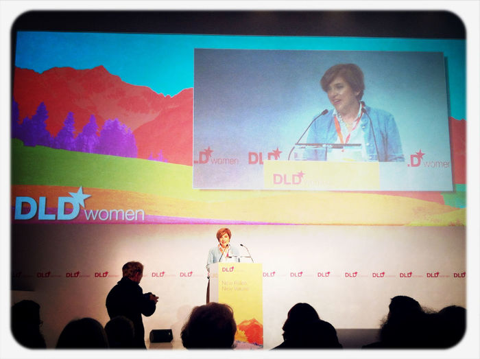 Warm welcome to old and new friends by Steffi #dldw12