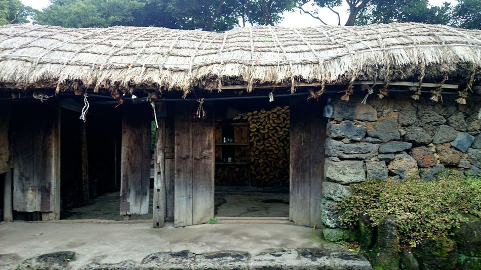 Architecture Building Exterior Built Structure Entrance Exterior Façade Gate Home House Museum Old Outdoors Rustic Rustic Houses Sky The Past Wood - Material Seongeup Folk Village