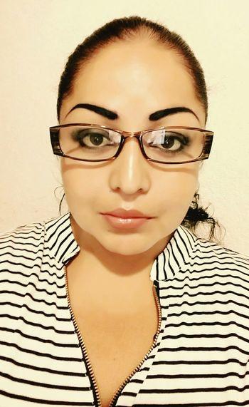 Hello World That's Me Loveyou♥ Thatsme😘✌✌ Picture Needsleep  Glasses Enjoying Life Nigth 🌜⭐️
