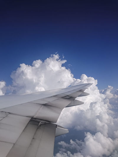 Airplane Blue Boeing Boeing 777 Britishairways Cloud Cloud - Sky Clouds And Sky Cloudscape Cloudy Flight Fly Flying Modern No People Photo Photography Photographylovers Photooftheday Picture Sky Sunny Tranquility White Wing