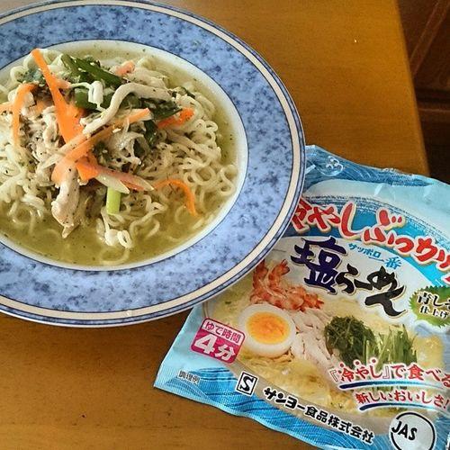 昼〆は冷やしぶっかけ塩らーめん Noodles Ramen サッポロ一番 サンヨー食品