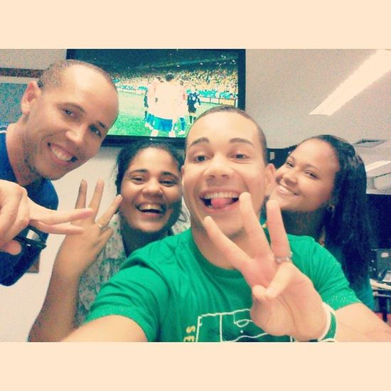Brasil 3 x 1 Croácia ? ? Laaaaaaaacre! Boanoite Brazil2014 FIFAworldcup Croacia CopaDoMundo Band Globo Neymar Fifa Like Follow AratuNaCopa NotíciasDaManhã Selfie Salvador Bahia Brasil Compartilhe