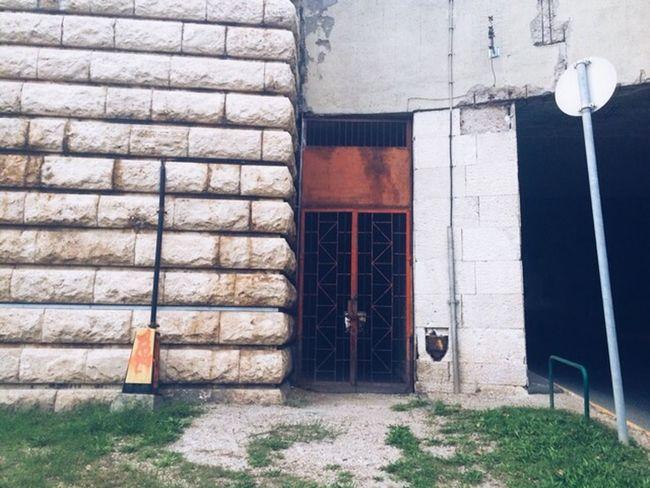 Take the red door Budapest Vscocam VSCO