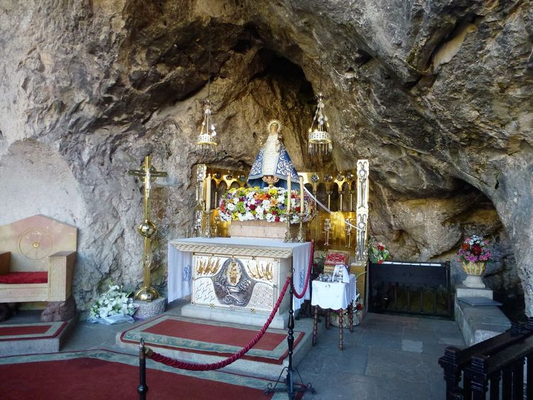 Bergkapelle Architecture Catholic Chapel Catholic Church Cave Day Holy Cave Indoors  Katholische Bergkapelle No People Place Of Worship Religion Sculpture Special Church Spirituality Statue