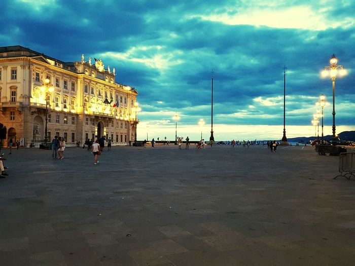 Hanging Out Taking Photos Check This Out Hello World Trieste Perspective EyeEm Gallery Samsung Galaxy S6 Edge Lovethisplace EyeEm Best Shots Clouds Cloud_collection  Cloud_collection  Cloudscape Triestemonamour Trieste Piazza Unita Paint The Town Yellow Perspectives On Nature