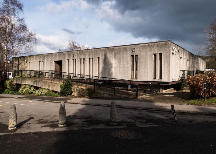 Former Magistrates Court, Dorking. Brutalarchitecture Architecturelovers Architecture_collection Concretedesign Concrete Dorking Surrey Brutalism