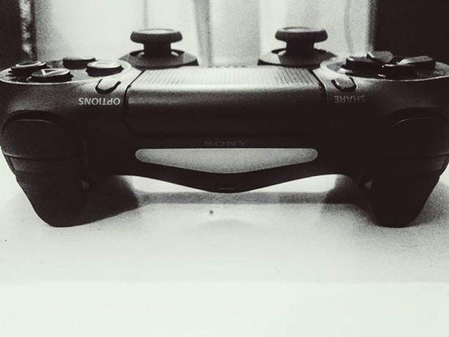 Peace is here PS4 Gaminglife Dualshock4 Graphics😍 Fifa16 Thrill Ab or kya chahiye yr zindagi se yr.. 😁😁