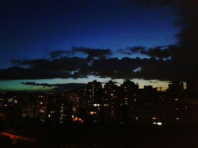 Hello World Anocheciendo HermosaVista 📷 Caracas Venezuela