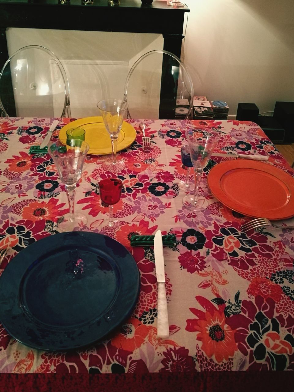 table, indoors, drinking glass, candle, food and drink, tablecloth, place setting, drink, wineglass, no people, plate, refreshment, preparation, freshness, water, wine, food, flower, close-up, day, ready-to-eat