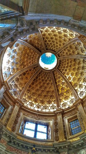 Travel Destinations Flight View Adults Only View Pisa Tourists Day Arts Culture And Entertainment Pisa - Italy City Spirituality Architecture Altar Built Structure History