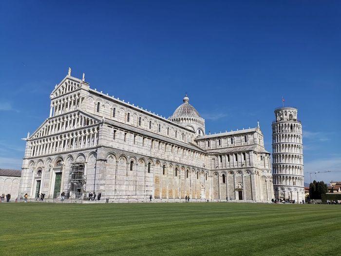 Schiefer Turm Von Pisa Urlaub Holiday Italienreise Wohnmobiltour Pisa Politics And Government City History Fame Blue Museum Sky Architecture Grass