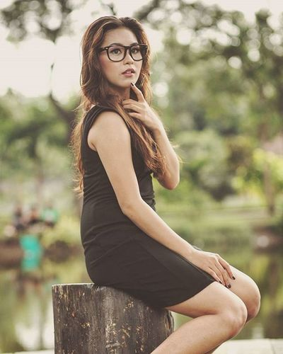 Beauty doesn't last forever, but a beautiful personality does. Potrait Potratiture Canon 5dmk2 Lens 50mm14 50mm Beautiful Beauty Girl Women Mood Smile Sexy Curve Shape Indonesiangirl Cute