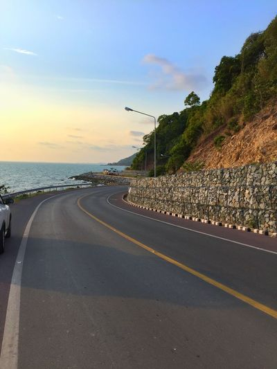 Road Seaside Sunset Beutiful Day Beutiful Place  Nice View NiceShot Longroad Sea And Sky Thailand Beach