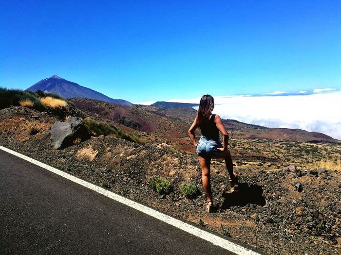 Me llevas a las nuves Tenerife Paraiso☀🍃 Teide Izaña Mardenuves Young Women Full Length Clear Sky Hiking Standing Sky Mountain Range