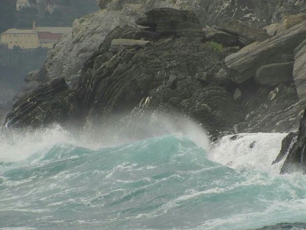 Italian Coastline Waves Crashing Splash Cinque Terre Rocky Coastline Seaspray