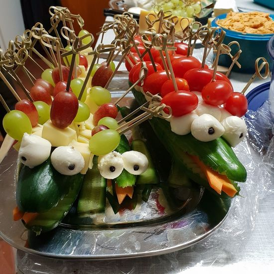 Food And Drink Food Close-up Still Life Representation Healthy Eating Fruit Multi Colored Vegetable Animal Representation Indulgence Creativity Cucumber Cucumber Crocodile Crocodile Cheese Plate Skewer Cheese Grapes Cocktail Tomatoes Tomatoes Mozzerella Cheese Creative Food Party Food Decorative Food