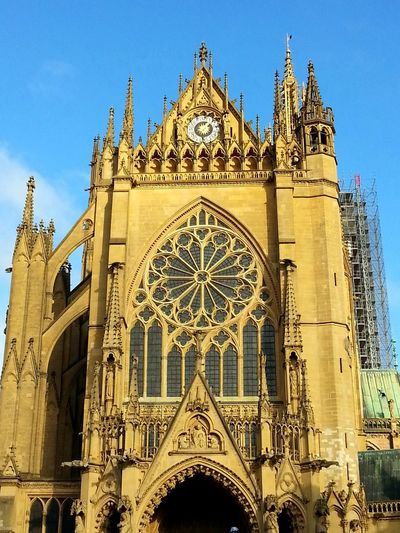 Built Structure Building Cathedral Cathedrale Church Churches Church Architecture Metz, France Metz Frankreich France Blue Sky Travel Travel Photography Traveling Pupparazzi Old Old Buildings Architecture Gothic Style Religion Façade Sky Outdoors Low Angle View Day Travel Destinations No People Clear Sky Building Exterior The Architect - 2018 EyeEm Awards The Traveler - 2018 EyeEm Awards