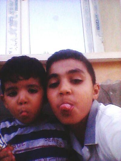 8هههههه في ليبيا اليوم مساء اليوم الأحد في الحوش Hi! Hi! Taking Photos
