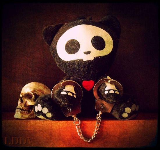 Poor me ! Gothic Handcuffs  Skelanimals Skull