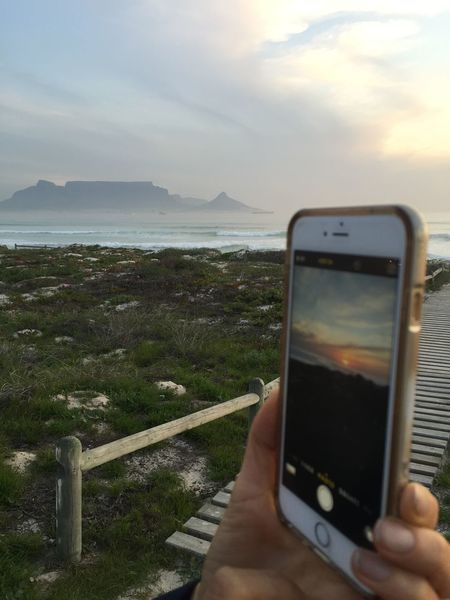 Sunset Tablemountain Takingpicturefromdifferentangle Beach Capetown Nofilter Noedit Eyeem South Africa Unexpected Photos Of Iconic Landmarks Seeing The Sights Better Look Twice