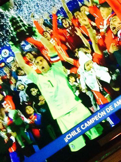 Yujuuuuu vamos chile 🇨🇱 CHI CHI CHI LE LE LE VIVA CHILE 🇨🇱🇨🇱 MAS FELIZ QUE PUTA QUE ESTOY FELIZ GRANDE CHILE CONCHETUMARE ORGULLOSA DE SER CHILENA🇨🇱🗿 Viva Chile VAMOS CHILE MIERDA C H I L E Losmejores Chile 🎈👻