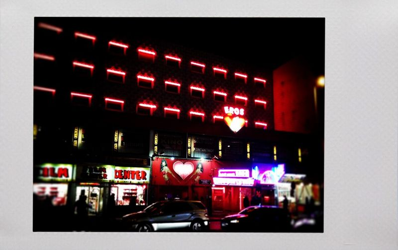 Redlight-goodnight Reeperbahn  Nightphotography Night Lights Red AMPt Community Streetphotography Streetphoto_color