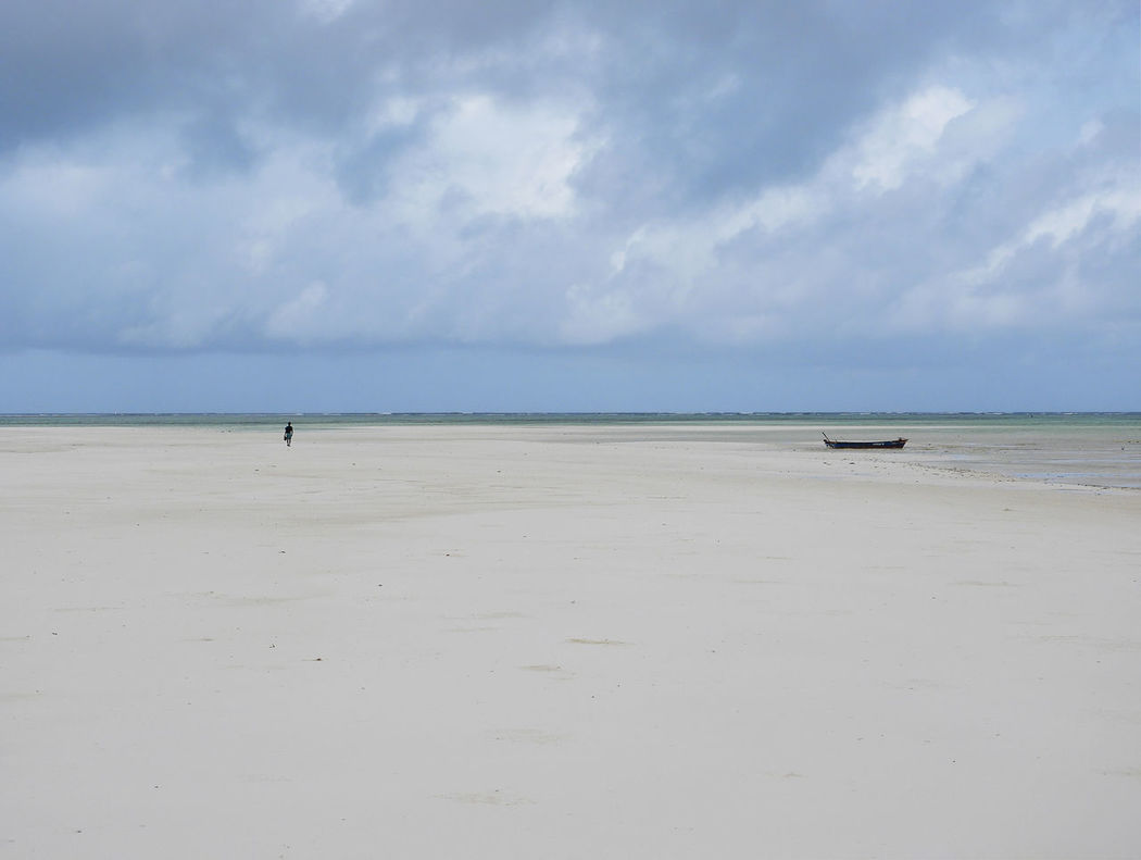 Dreambeach Kenya Loneliness Lost In The Landscape Beach Boat Cloud - Sky Clouds And Sky Horizon Over Water Nature Sand Scenics Sea Shore Sky Tranquil Scene Tranquility Watamu Watamu Beach Water White Lost In The Landscape