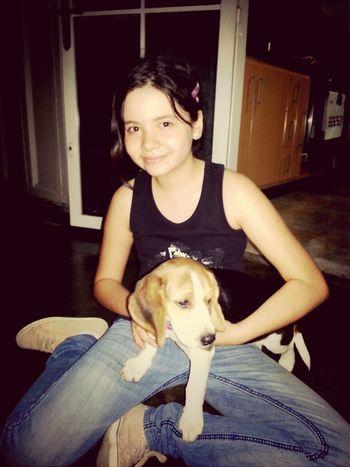 mi ahijada Paola con mi Donna Beagle