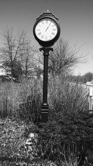 Good morning Goodmorning Oldclock Blackandwhite Railtrail Greatday