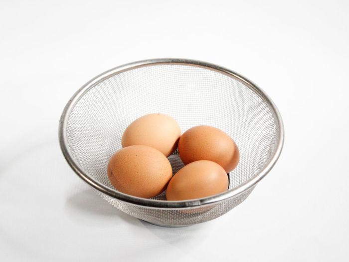 #egg #eggtart #eggphotography #egglover #chickenegg #chickeneggs Egg Eggart EyeEm Gallery Eye4photography  EyeEm Selects Egg Arts White Background Egg Carton Bowl Studio Shot Egg Raw Food Close-up Food And Drink Animal Egg Egg Yolk