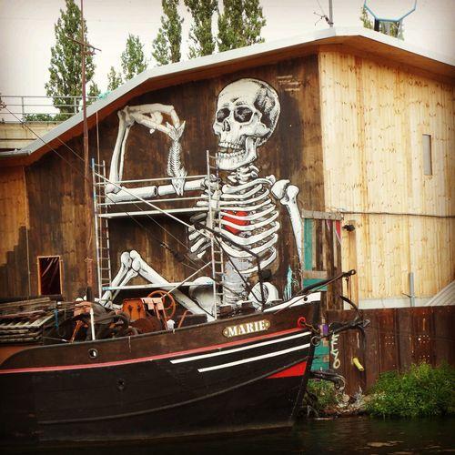 Skeleton Streetart Graffiti Nautical Vessel Wood - Material Architecture Building Exterior Built Structure Spray Paint