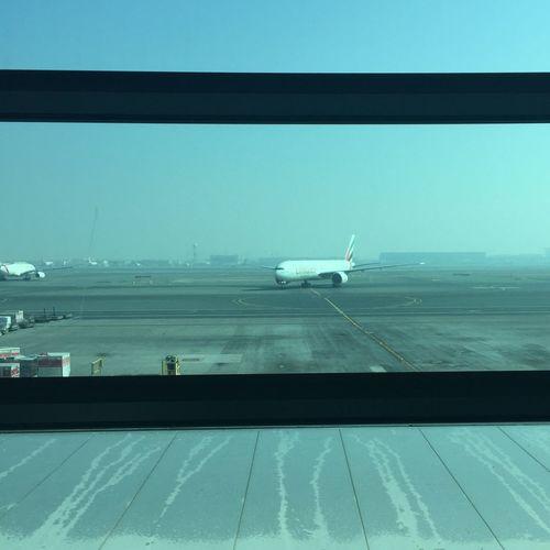 Rule Of Thirds Dubaiairport Emiratesairlines