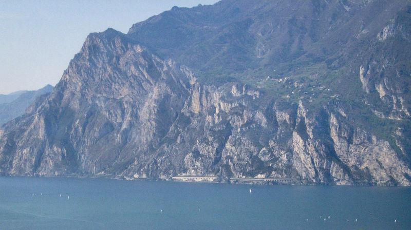 italia Berg Felsen Holiday Huge Italia Italie Italien Italy Italy❤️ Italy🇮🇹 Lago Lake Lakescape Lakescape Collection Landscape Montagna Monte Mountain No People Outdoors Rock Seascape Seascape Photography Seascapes See