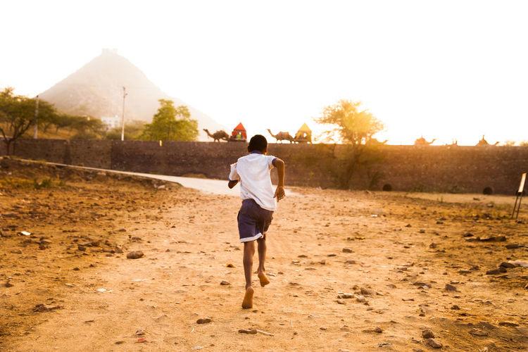 Desert India Indian Culture  Indian Desert Indian Sunset Pushkar Child Running Childhood Kids Running Sunset